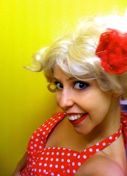 Luna Park dancer Jess Innes
