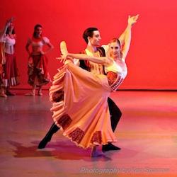 ballet dancer in pas de deux