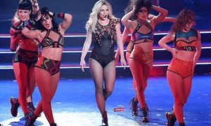 Morgan-Choice-performing-with-Britney-Spears2