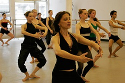 Jacqulyn Buglisi contemporary dance class