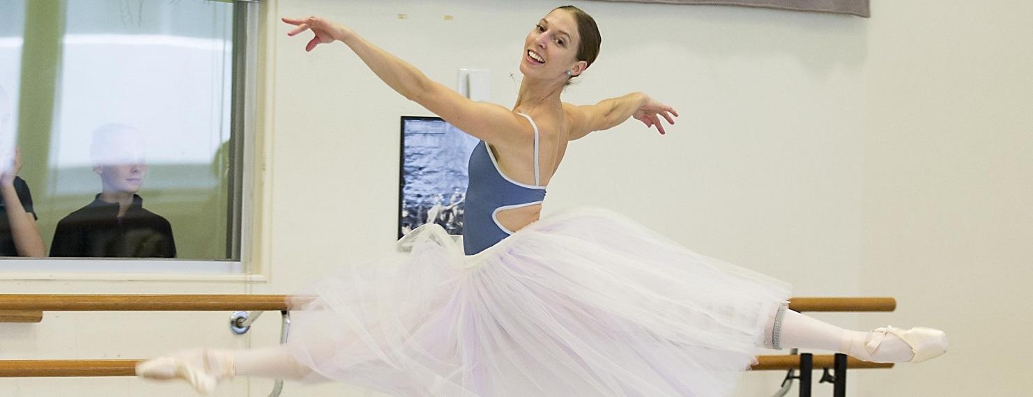 Lana Jones - Giselle - The Australian Ballet 2015. Photo Lynette Wills