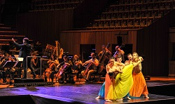 Sydney Dance Company and the Sydney Symphony Orchestra present 'Le Grand Tango'.