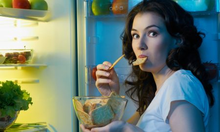 How to avoid late night snacking