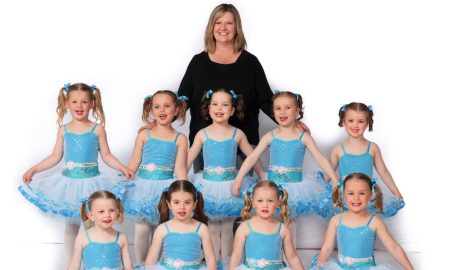 Sharon Saunders with her 2016 Ballet Kids class. Photo by Andy Banks Photography.