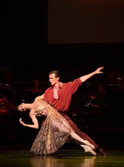 Laura Hidalgo and Joel Woellner in QB's 'Strictly Gershwin'. Photo by David Kelly.