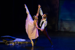 Rebekah Petty and William Douglas in Victorian State Ballet's 'Le Corsaire'. Photo by Ron Fung.