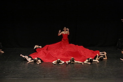 National College of Dance in an Eisteddfod performance. Photo by Winkipop.