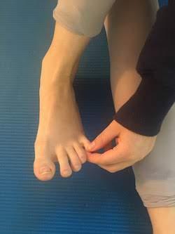 Single toe twist and pull.