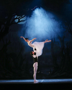 Principal Dancers Rachael Walsh and Matthew Lawrence in Queensland Ballet's 'Giselle'. Photo by David Kelly.