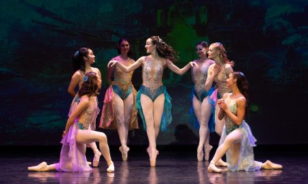 Victorian State Ballet in 'Little Mermaid'. Photo by En Pointe Productions.