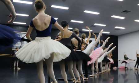 Queensland Ballet in rehearsal for 'Études'. Photo by Stephanie Do Rozario.
